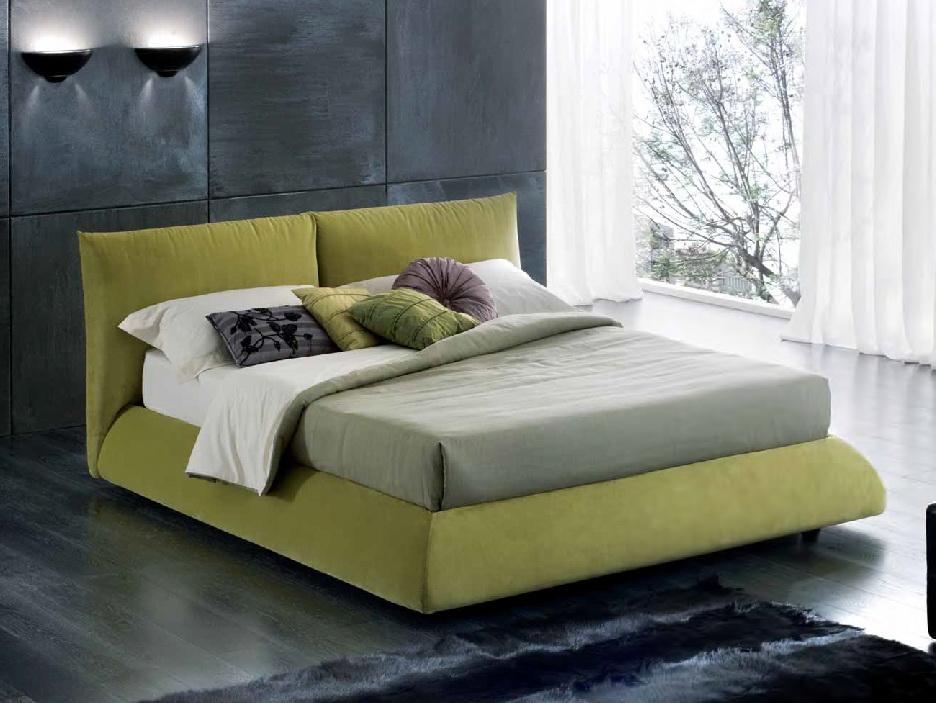 Кровать с тканевым изголовьем и подъемным механизмом
